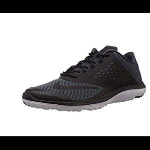 ECU !Nike men's FS lite Run 2  Athletic shoes
